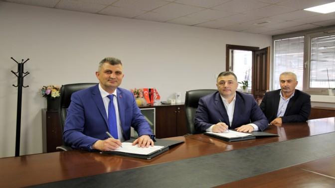 Başkan Sezer Toplu iş sözleşmesini imzaladı