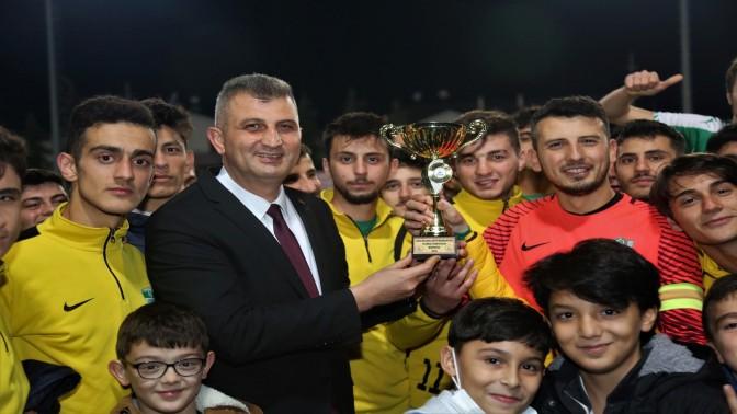 Gölcük Belediye Başkanlığı Kupası'nda Şampiyon Hisareynspor