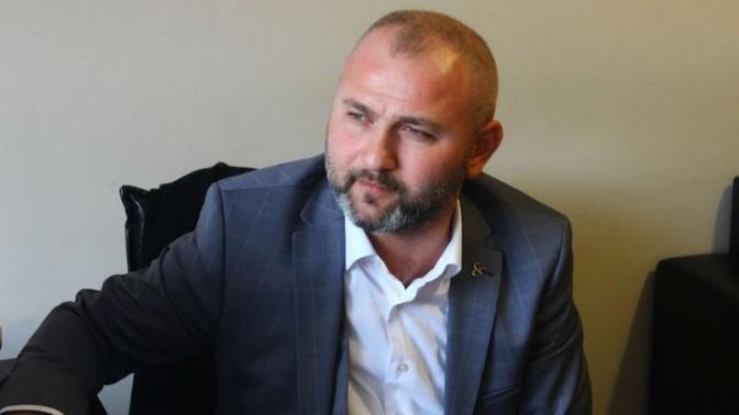 İlçe Başkanı Murat Kalender görevden alındı