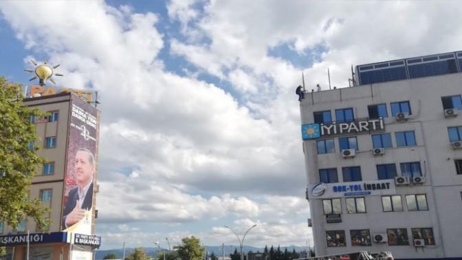 İYİ Parti binasında intihar girişimi