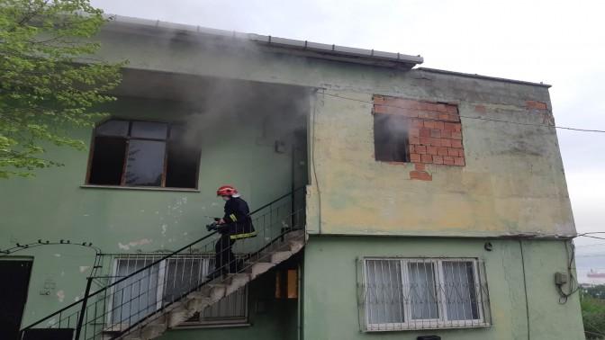 Krediyle aldığı evde yangın Çıktı gözyaşlarını tutamadı